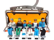 Miniatures de 6 personnages assis avec ski - 1:32 : JC collection