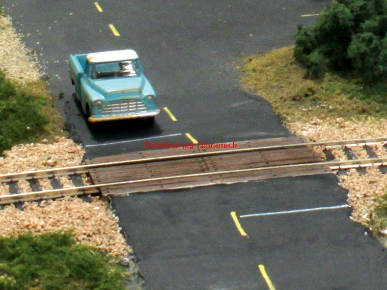 Passage à niveau en bois, échelle N -  Woodland Scenics C1149
