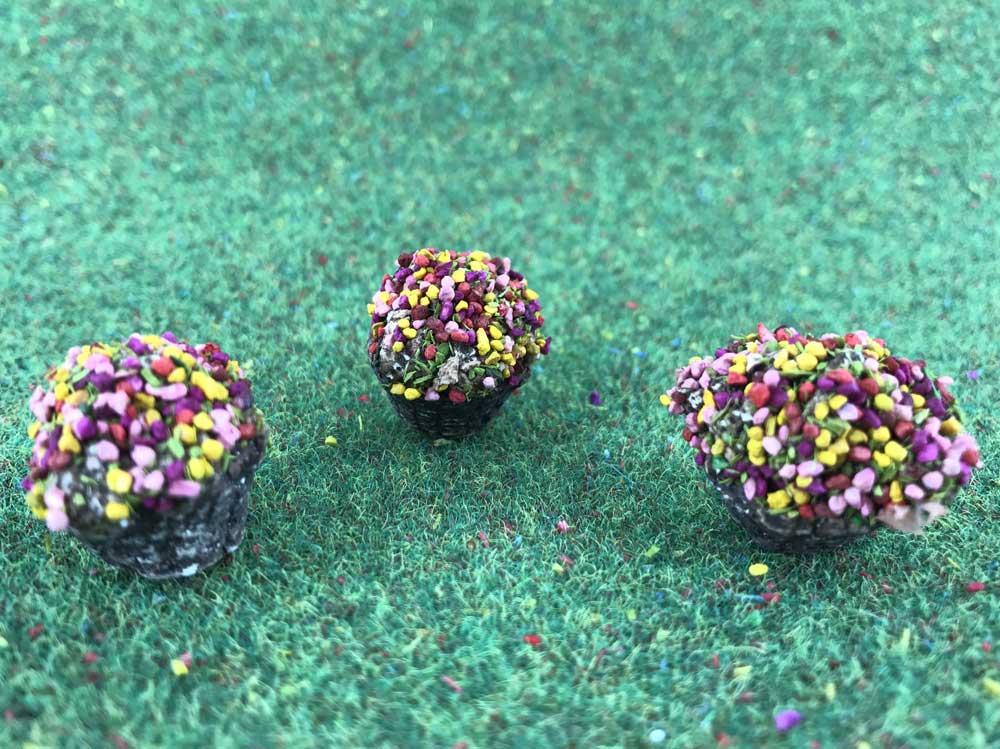 3 pots de fleurs miniatures