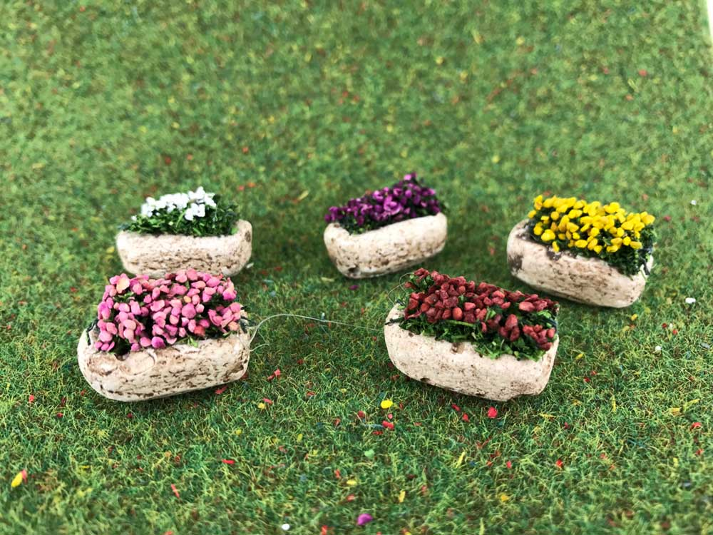 5 pots de fleurs miniatures