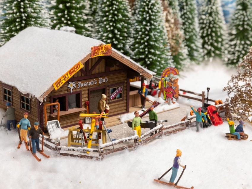 Figurines miniatures : Un jour en hiver - 1:87 HO - Noch 16220
