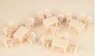 Tables et chaises en bois 1:87
