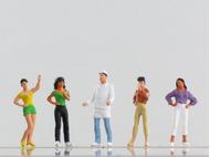 5 figurines peintes : Chef 'Luigi' et clients 1:87