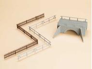 Petit pont de pierre et clotures - Auhagen 42555