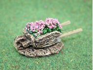 Accessoires de crèche : 1 Brouette miniature de fleurs roses - FR 21122Ro