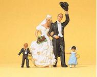 Preiser 45041 : Couple se mariant et 2 enfants