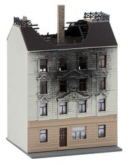 Maquette Maison d'habitation en feu N -Faller 232326