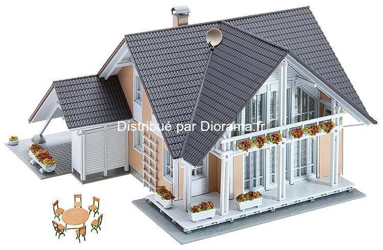 """Maquette Bâtiment miniature : Faller 130394 - Maison """"prestige"""" 1:87"""