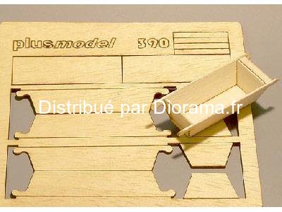 Décors miniatures : 2 Grands bacs lavoirs en bois - 1:35 - Plus Model 390
