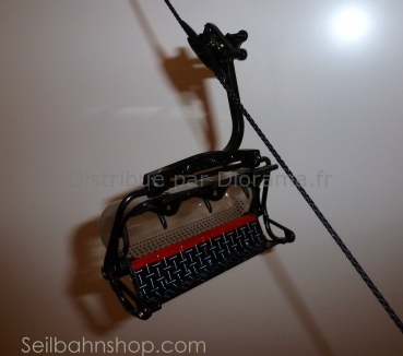 Télésiège miniature noir et rouge - 1:32 - JC collection 86300