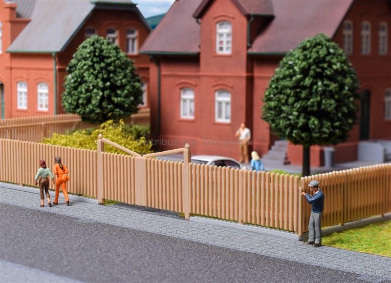 Palissade miniature en bois 84 cm - HO 1:87 - Kibri 38625