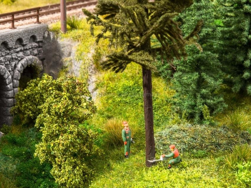 Figurines miniatures : Travaux d'abattage - Noch 12843