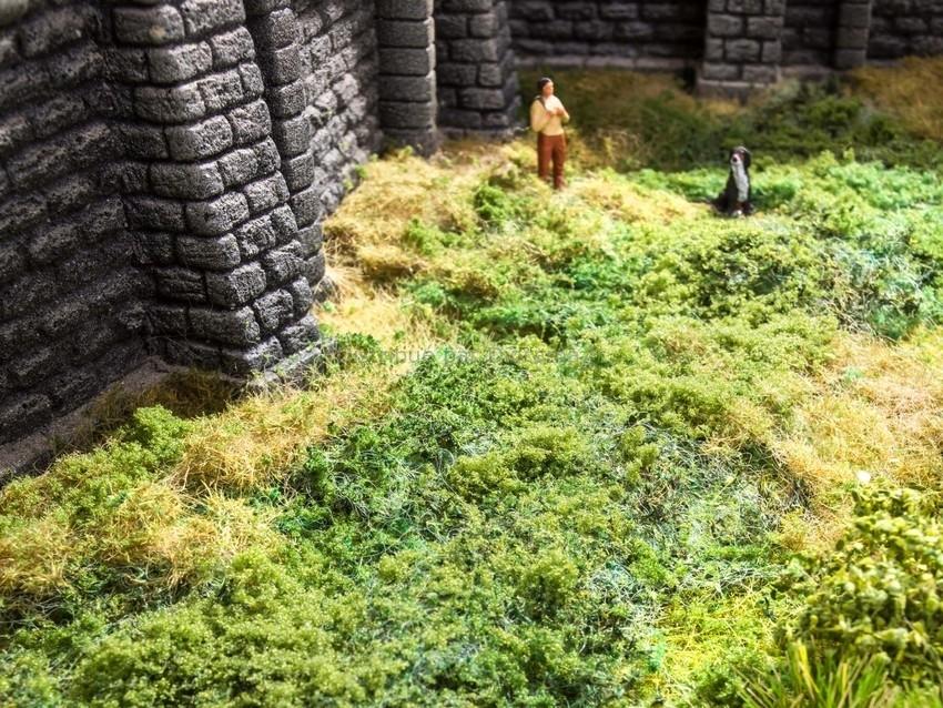 Végétation miniature : Feuillage dense vert foncé 20 x 23 cm - Noch 07301