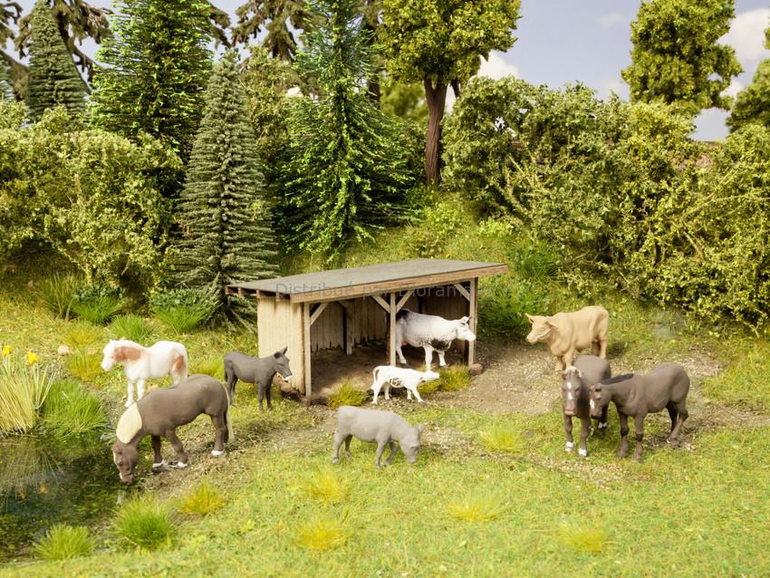 Figurines miniatures : Abri animaux avec 9 animaux - 1:120 TT - Noch 12542